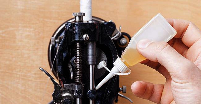Comment huiler et lubrifier sa machine à coudre