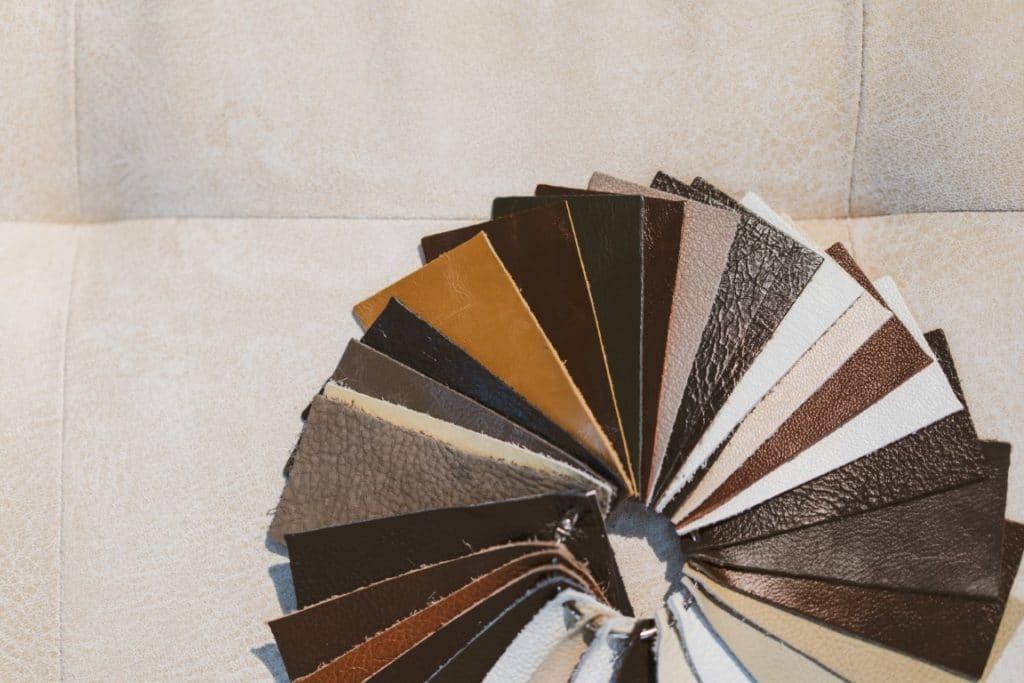 échantillon de simili-cuir pour projet couture